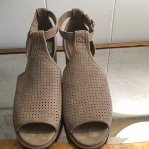 """EUC Preowned """"Koolaburra"""" by UGG suede shoes"""
